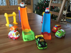 Go Go Smart Wheels 3-in-1 Launch and Play Raceway With Various Cars