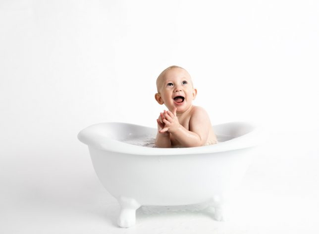 Best Bath Toys for Toddlers: Smiling Toy In Bath Tub