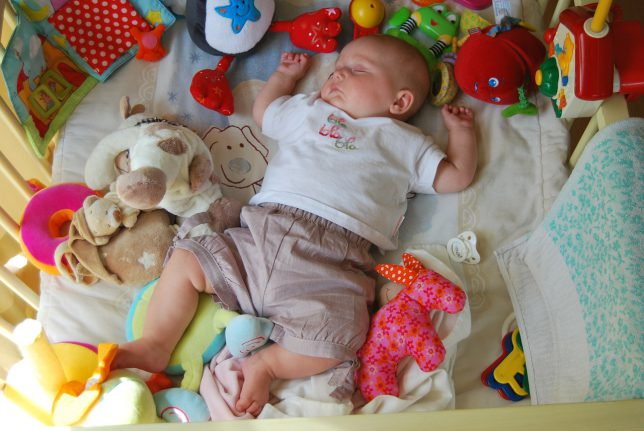 How To Get Your Toddler To Sleep - Avoid Distractions