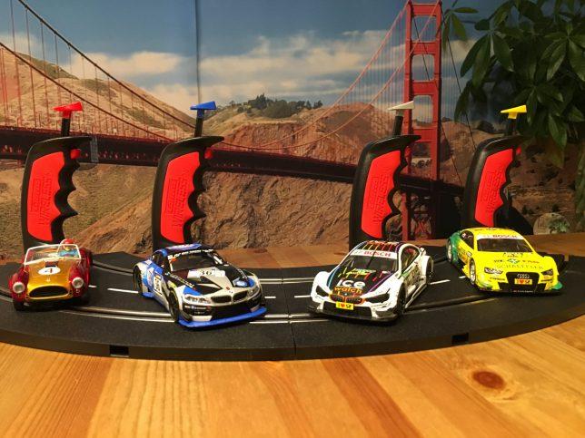 Slot Racing: Four Cars, Four Controller