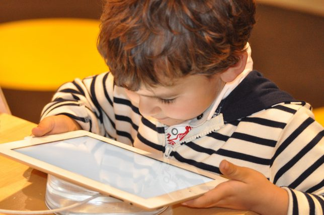 Tablets Are Ideal To Introduce Children To Technology