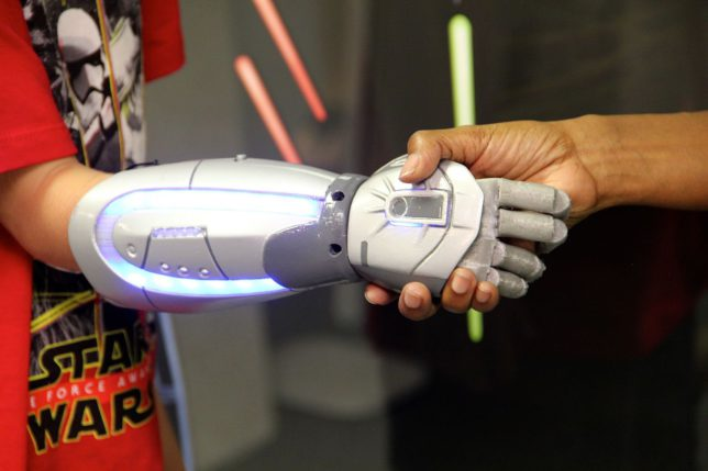 High Tech Toys - Bionic Hand