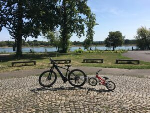 Sunny day in Germany: Out for a family bike tour along the river Rhine...